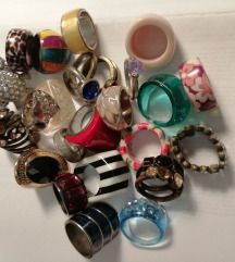 Prstenje plastično i bižuterija