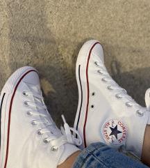 Nove Converse