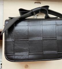 Mylovelybag crna torbica