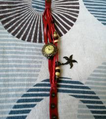 Ženski crveni sat