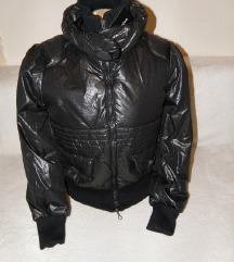 crna jakna *