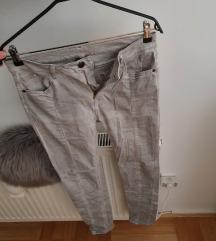 Prljavo sive hlače