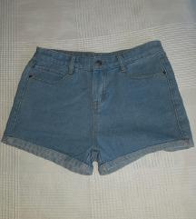Kratke traper hlače - 36