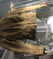 Brušena kožna jakna s postavom XS