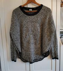 2 Džempera 60 kn