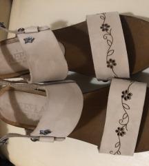 %%%Replay sandale..moja pošt. 37