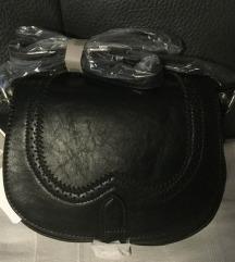 PRODANO Mala nova Bata torbica