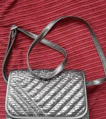 Prodajem torbicu boje antracita
