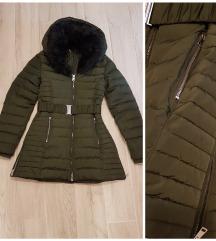 Tamno zelena zimska jakna