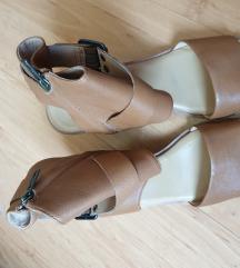 UGG nove sandale 42