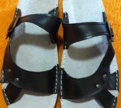 Nove kožne papuče od postolara