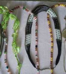 komplet od 9 ogrlica i 6 prstena