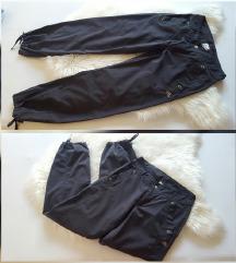 Original Adidas hlače, kao nove