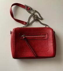 Stradivarius crvena torba