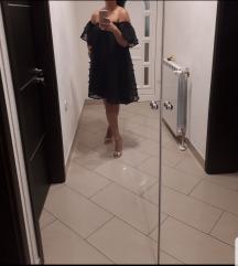 Efektna svecana offshoulder haljina