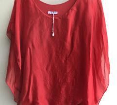 Crvena bluza od svile predivna lagana