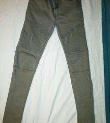 Zara slim fit hlače 140