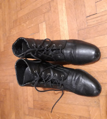 crne vintage čizme
