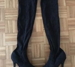 Crne čizme preko koljena