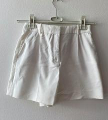 ZARA bijele kratke hlačice (šorc)