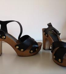 Crne sandale sa drvenim potplatom broj 37