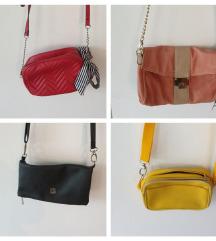 Lot od 11 torbica