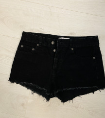 Crne traper kratke hlače