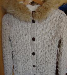 Topao džemper s kapuljačom vel. XS