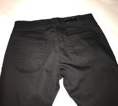 NOVO! Crne hlače