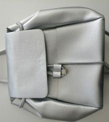 Carpisa srebrni ruksak