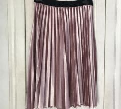 Plisirana roza suknja