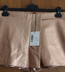 Sjajne kratke hlače br. 40 s etiketom