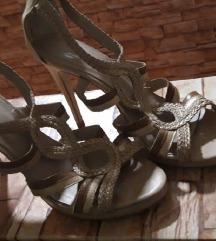Štikle bata