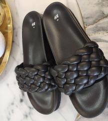 H&m papuce NOVE
