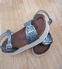 Sljokicaste sandale