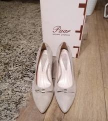 Paar nove, beige cipele 38
