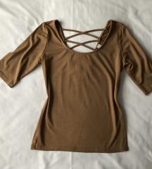 Bež majica s lace up detaljem na leđima