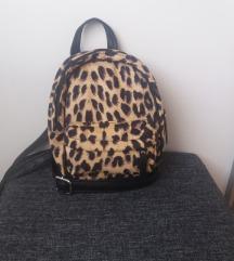 Mini ruksak (nikad koristen)