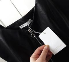 Crna kožna haljina