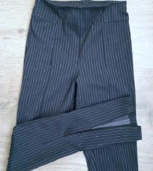 NOVO H&M tamno plave hlače sa prorezima