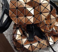 Mass zlatni ruksak