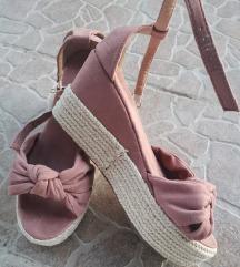 Roze sandale na punu petu 🔥S POŠTARINOM 🔥