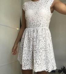 Bijela čipkasta haljina