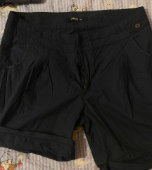 kratke hlače 44