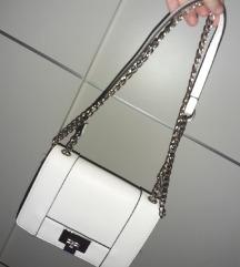 Bijela stradivarius torba (ponudite cijenu)