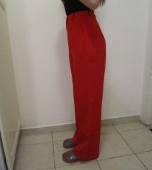 Crvene ravne hlače