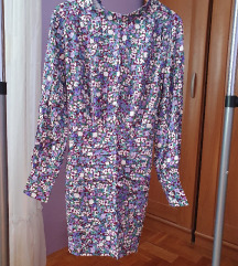 Cvjetna mini haljina s dugim rukavima