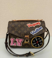 Louis Vuitton Pochette Metis Patches original