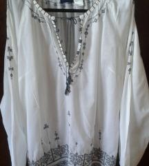 Bijela hippie (boho) bluza