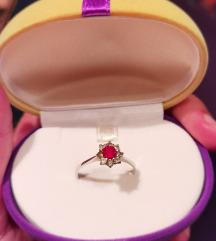 Prsten 18 karatno zlato - 800 kn